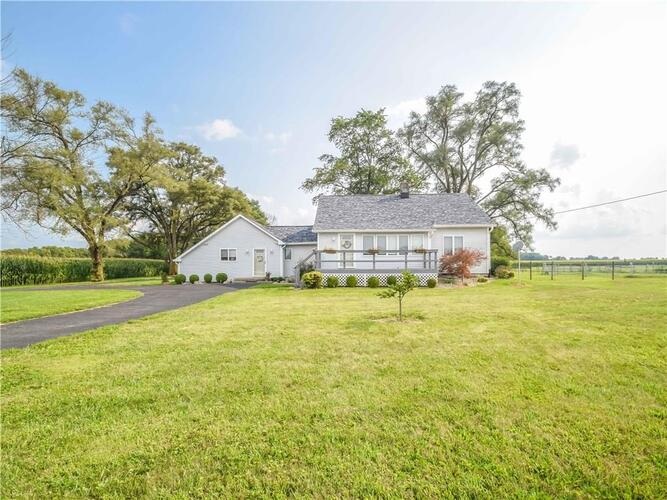 5683 W State Road 44  Shelbyville, IN 46176 | MLS 21735604
