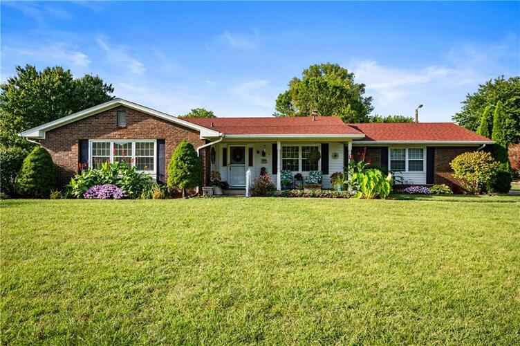 607  Canyon Road Indianapolis, IN 46217   MLS 21737768