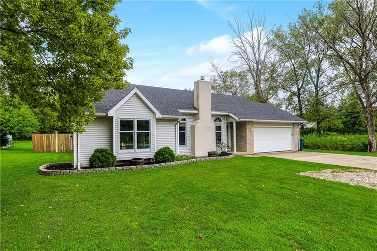 1412 N Stockport Drive Muncie, IN 47304 | MLS 21738611