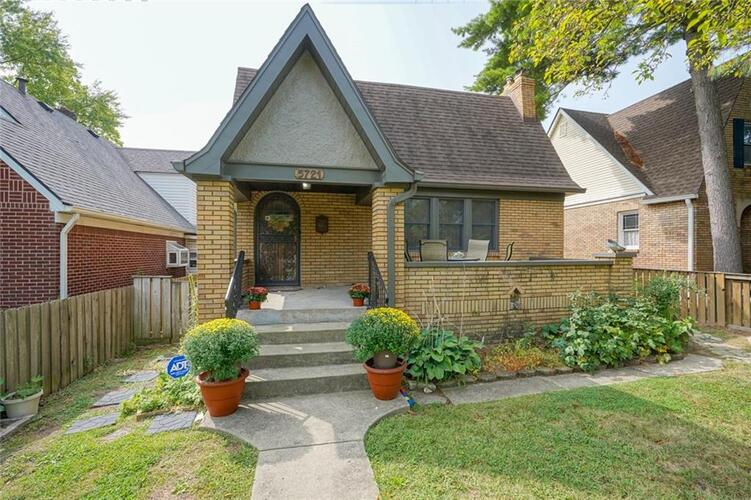5721 E 10TH Street Indianapolis, IN 46219   MLS 21738755