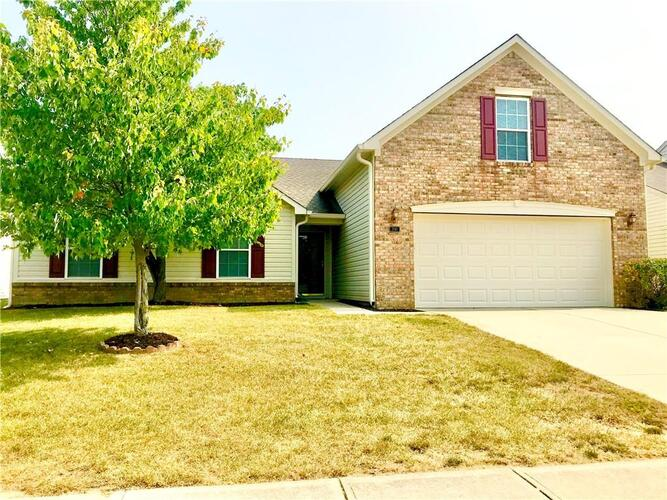 2747  Foxbriar Place Indianapolis, IN 46203   MLS 21739677