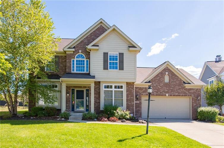 13651  BLOOMING ORCHARD Drive Fishers, IN 46038 | MLS 21739834