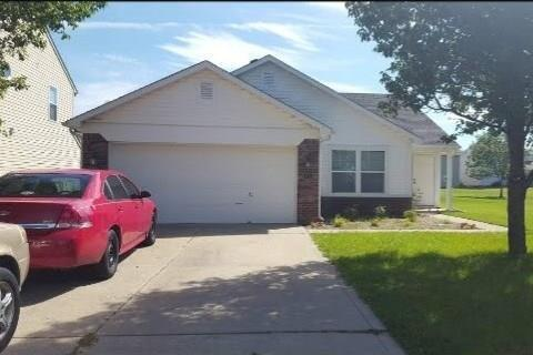 2285  Raymond Park Drive Indianapolis, IN 46239 | MLS 21740905
