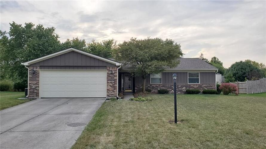 11848  HOLLAND Drive Fishers, IN 46038 | MLS 21740939