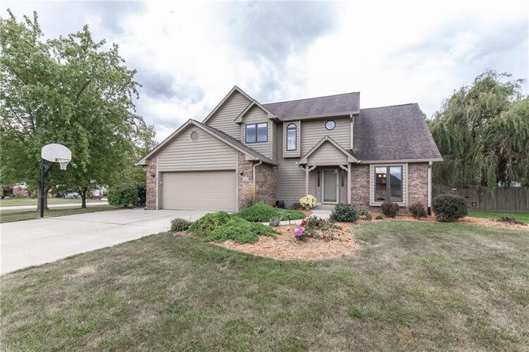 12333  Sunrise Drive Indianapolis, IN 46229 | MLS 21742832