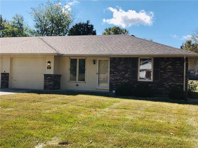1817  Alhambra Drive Anderson, IN 46013 | MLS 21743362