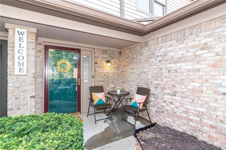 9118  BACKWATER Drive Indianapolis, IN 46250 | MLS 21743410