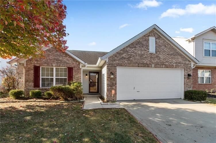 3229  Creekshore Drive Indianapolis, IN 46268 | MLS 21743699