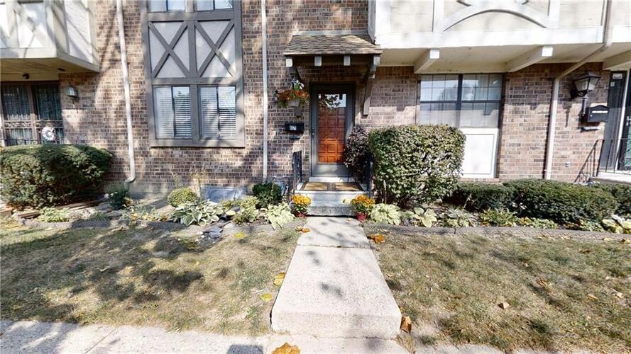 8121  Bromley Place Indianapolis, IN 46219   MLS 21744781