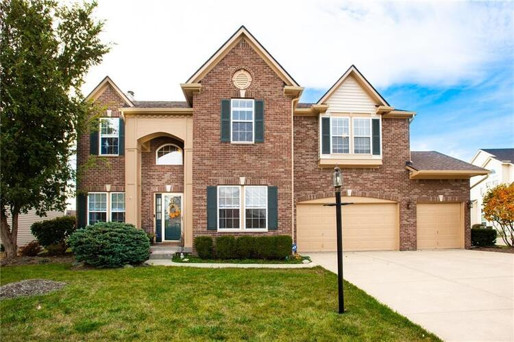 8351  Thorn Bend Drive Indianapolis, IN 46278 | MLS 21745397