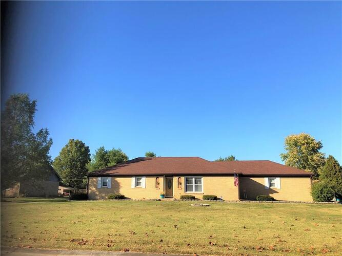 3366 W SUNSET Drive Greenfield, IN 46140 | MLS 21745467
