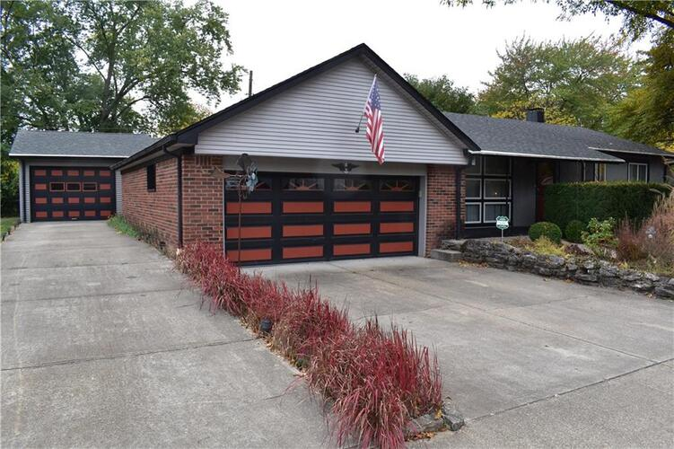 621  Berkeley Drive Shelbyville, IN 46176 | MLS 21745509