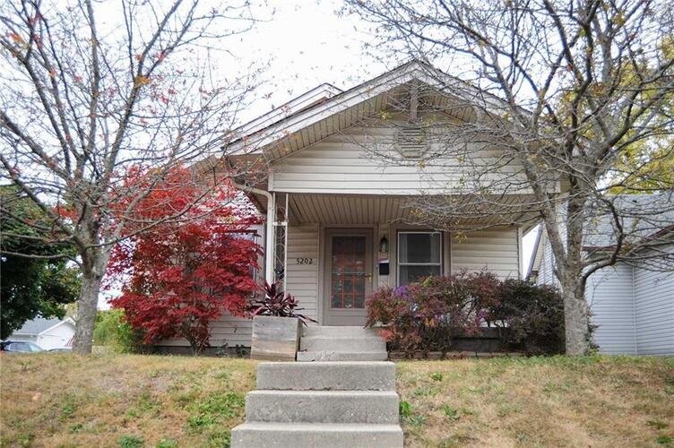 5202 E Walnut Street Indianapolis, IN 46219 | MLS 21745669