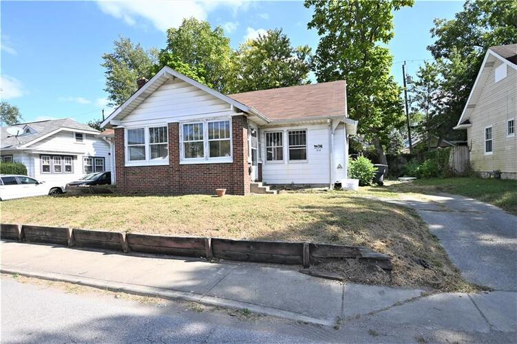 515  CARLYLE Place Indianapolis, IN 46201   MLS 21746894