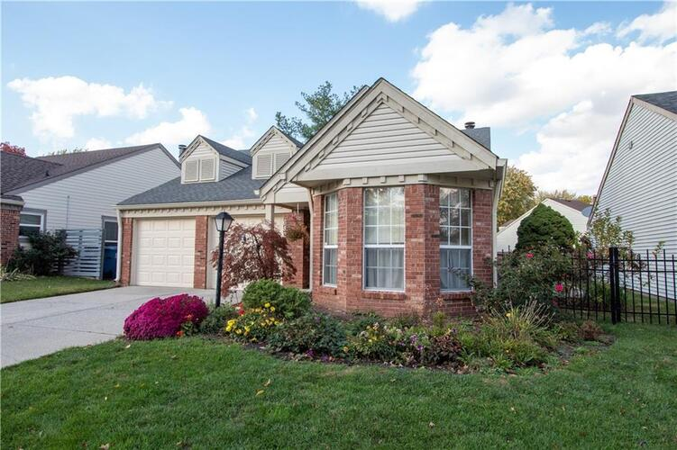 6808  Colony Pointe South Drive Indianapolis, IN 46250   MLS 21748207
