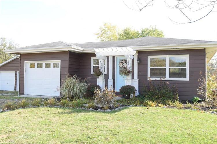 7165 E County Road 400  Brownsburg, IN 46112 | MLS 21749651