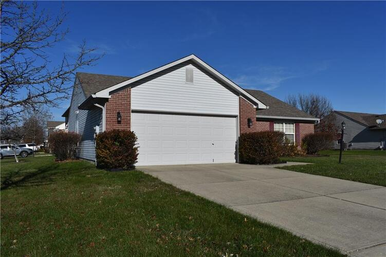 7528  Scatter Woods Lane Indianapolis, IN 46239 | MLS 21755792