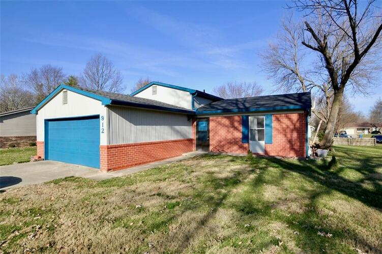 912 W Stop 11 Road Indianapolis, IN 46217 | MLS 21756455