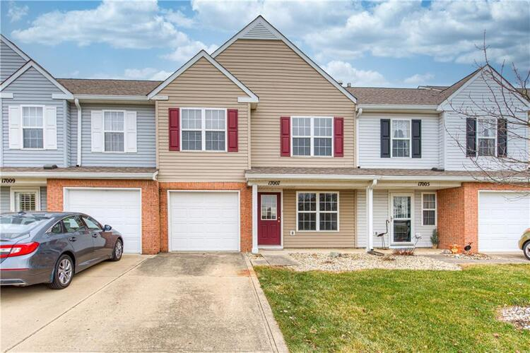 17007  Mapleton Place Westfield, IN 46074 | MLS 21759581