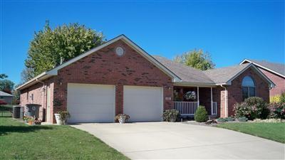 1707  Northbrook Court Seymour, IN 47274 | MLS 21759590