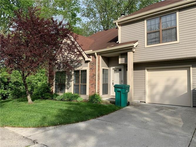 8001  Valley Farms Lane Indianapolis, IN 46214 | MLS 21760016