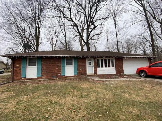 2207  Donna Drive Anderson, IN 46017 | MLS 21760491