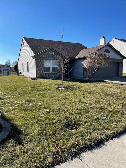 7249  FIELDS Drive Indianapolis, IN 46239   MLS 21761413