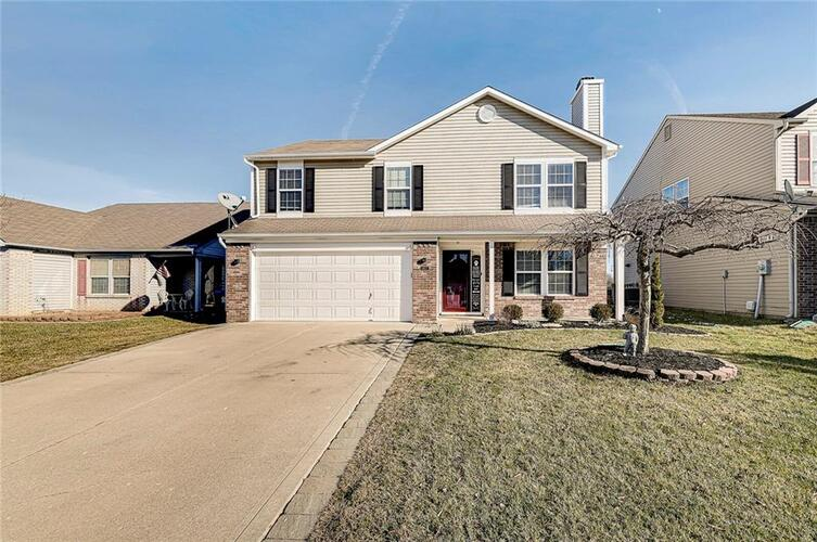 5827  LONG RIDGE Place Indianapolis, IN 46221 | MLS 21761518