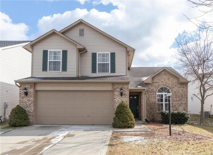 19304  Fox Chase Drive Noblesville, IN 46062 | MLS 21762623