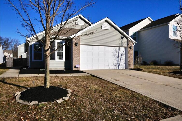 11426  High Grass Drive Indianapolis, IN 46235 | MLS 21762772