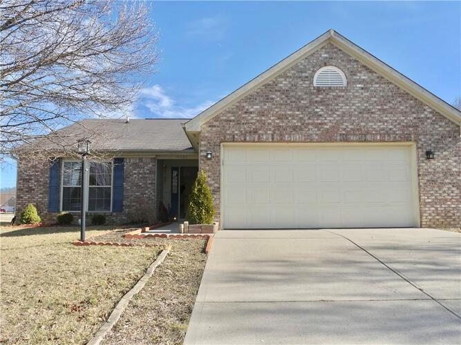 5523  Glen Canyon Drive Indianapolis, IN 46237   MLS 21762840