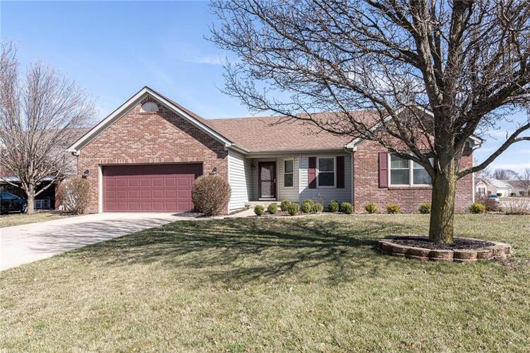 9942  Suncoral Circle Fishers, IN 46038 | MLS 21764538