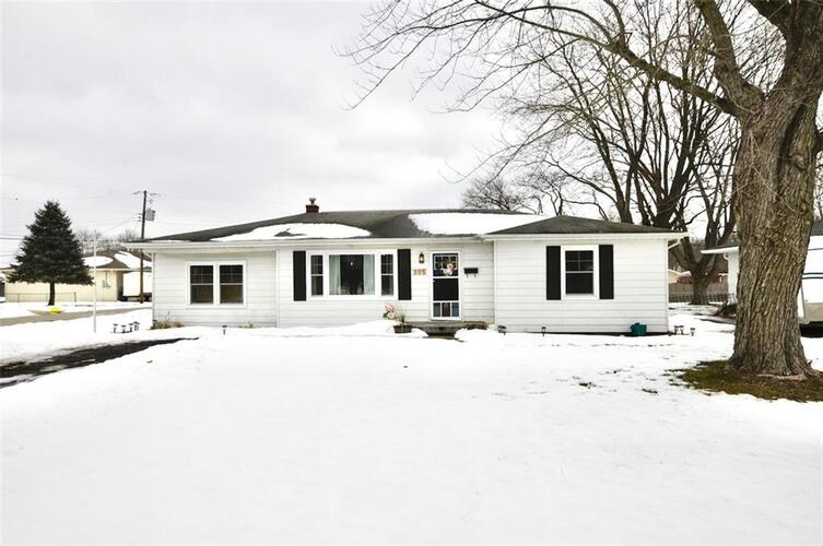 305  Southmore Street Plainfield, IN 46168 | MLS 21767774