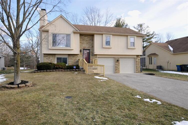 7615  OLD OAKLAND BL E Drive Lawrence , IN 46236 | MLS 21768484