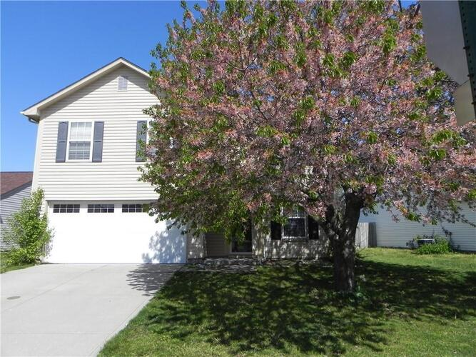 7102  HARNESS LAKES Drive Indianapolis, IN 46217 | MLS 21770127