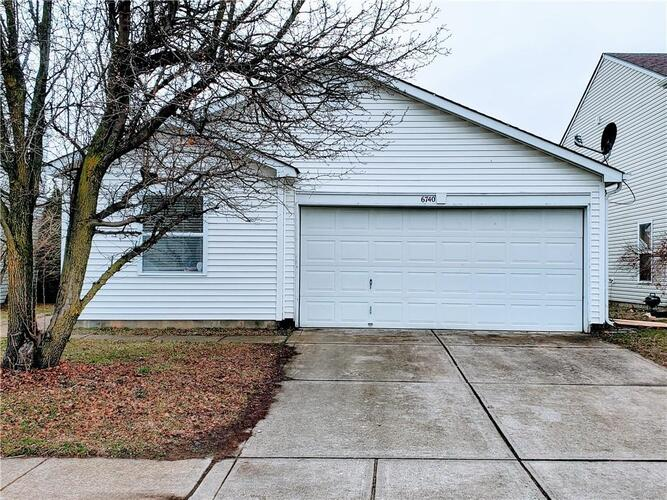 6740  Earlswood Drive Indianapolis, IN 46217 | MLS 21773196