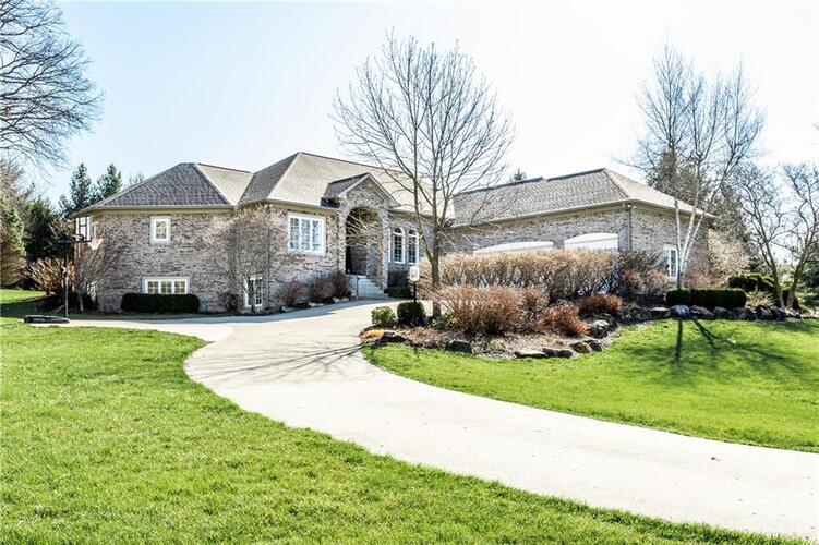 6219  White Tail Circle Zionsville, IN 46077 | MLS 21775047