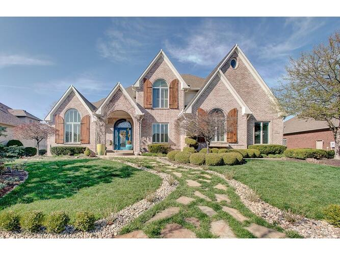 2804  COVENTRY Lane Greenwood, IN 46143   MLS 21775813