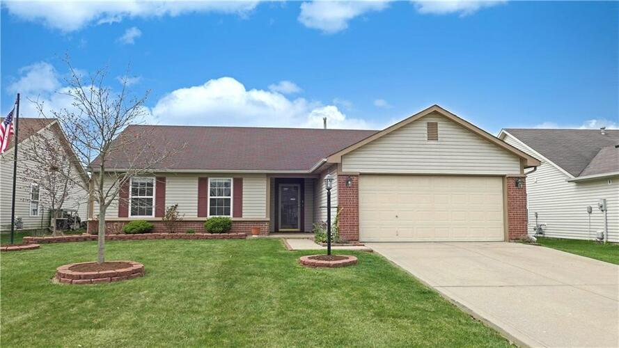 5536  Wood Hollow Drive Indianapolis, IN 46239   MLS 21776161
