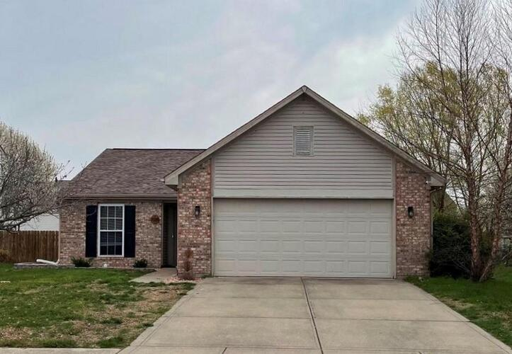 7039  Harness Lakes Drive Indianapolis, IN 46217 | MLS 21776235
