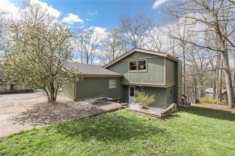 202 W Lakeview Drive Nineveh, IN 46164 | MLS 21776811