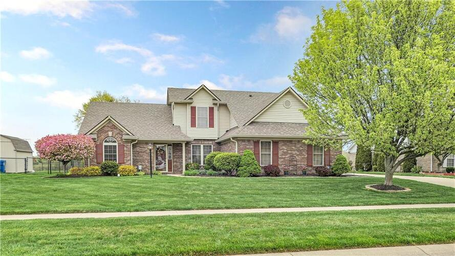 7144  Sunset Point Drive Indianapolis, IN 46259 | MLS 21778712