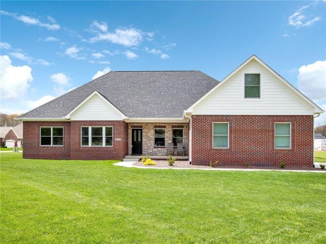 8137  Spring Valley Drive Plainfield, IN 46168 | MLS 21779499