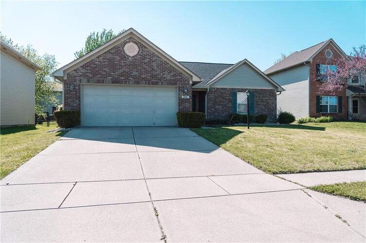 824  Trotter Court Greenwood, IN 46143   MLS 21781421