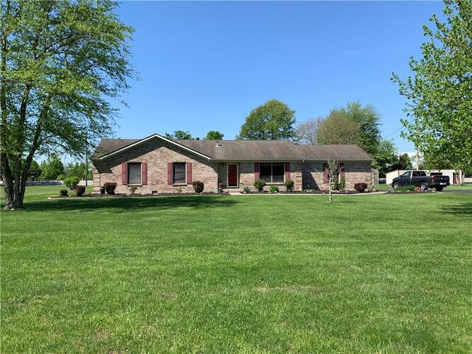 6432 S US Hwy 31  Crothersville, IN 47229 | MLS 21783975