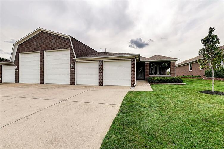 11810  Civic Circle Mooresville, IN 46158 | MLS 21784978
