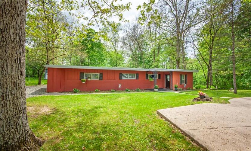 1807  Highland Court Anderson, IN 46011   MLS 21786346
