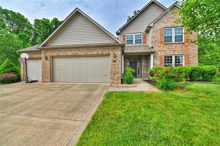 1651  OLD THICKET Court Greenwood, IN 46142   MLS 21787095