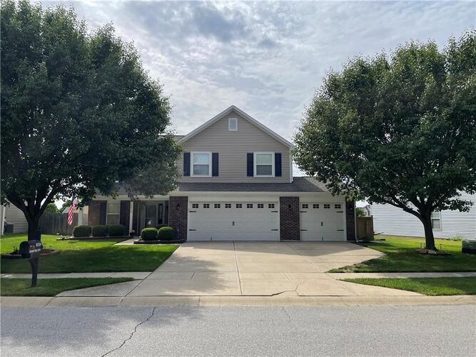 8038  PAINTED PONY Drive Indianapolis, IN 46217 | MLS 21789075