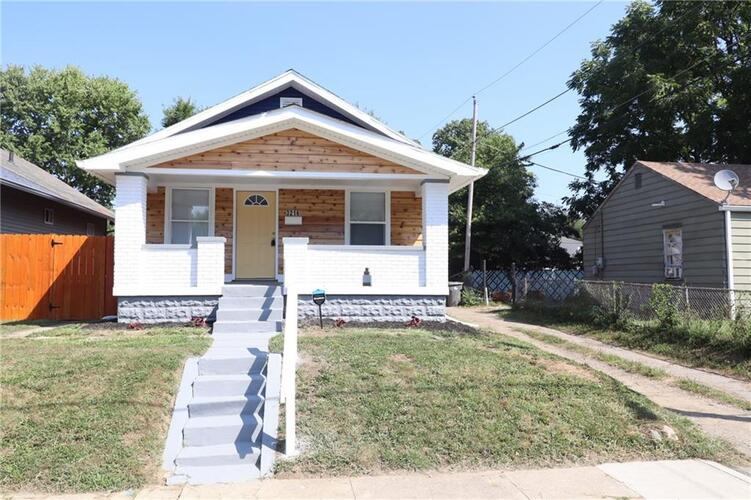 3216 E 20TH Street Indianapolis, IN 46218 | MLS 21809083